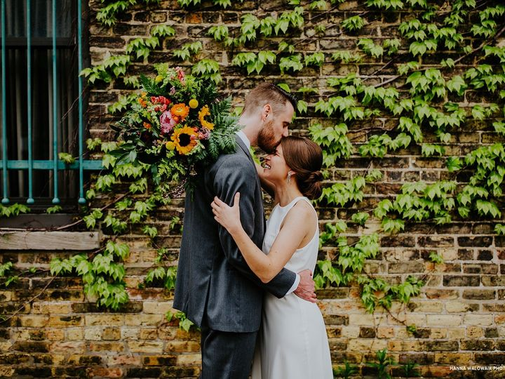 Tmx Firehouse Chicago Hanna Walowaik Photography Couple Outdoor 51 129418 1564769141 Elk Grove Village, IL wedding catering