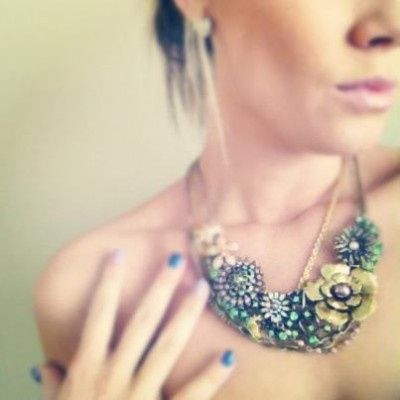 chloe and isabel garden party necklace 400x400
