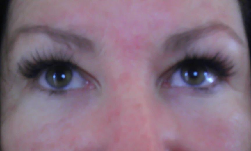 With Xtreme semi-permanent lashes