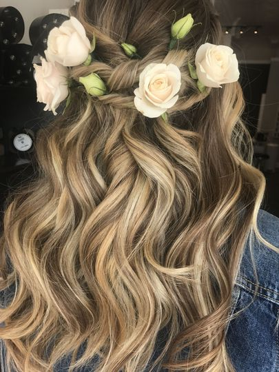 Summer waves with flowers