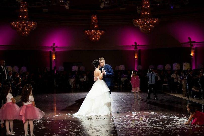 f0fa98601658b04c 1434389749191 mr mrs first dance