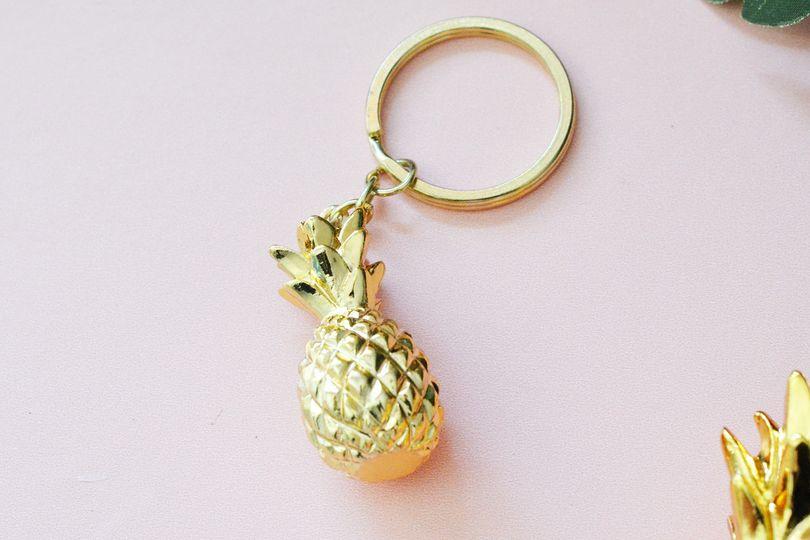 small pine keychain 1