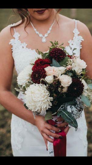 Romantic, rich bouquet