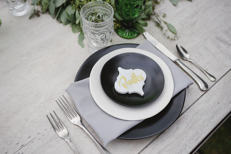 Black Heirloom Dinnerware