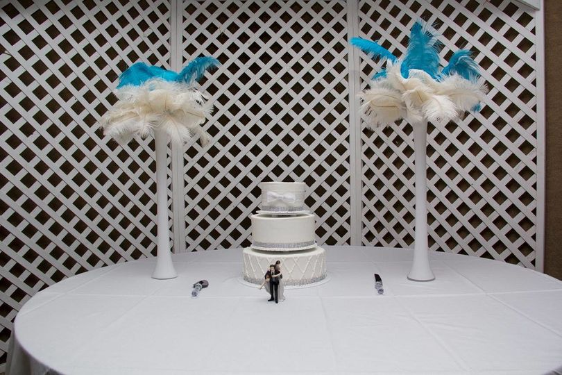 Wedding cake and table decorations