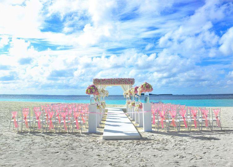 b30546d713143d76 1528501496 2b551c84908cc454 1528501478109 3 beach chairs cloud