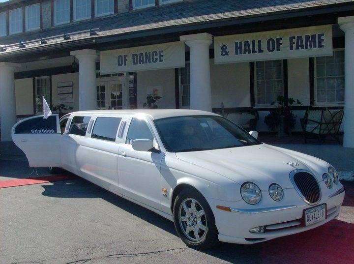 passenger jaguar limousine 1