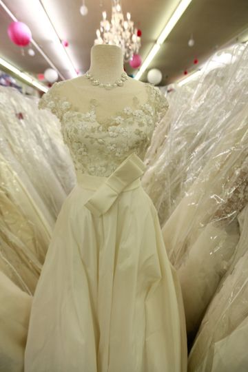bride to be consignment wedding gown aisle consign