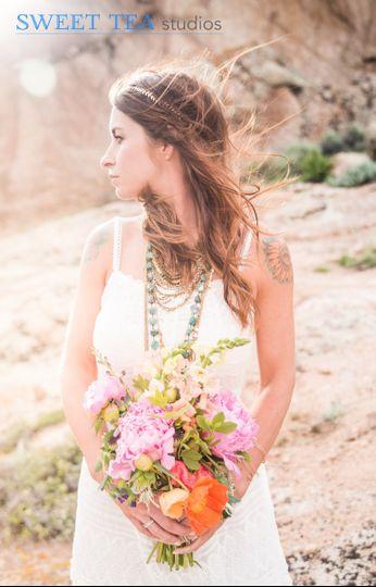 Boho bride and flowers