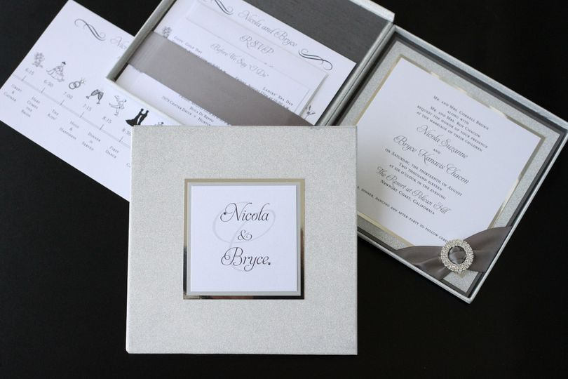 Bella Luxe 7 x 7 silver glitter hinged boxed invitation