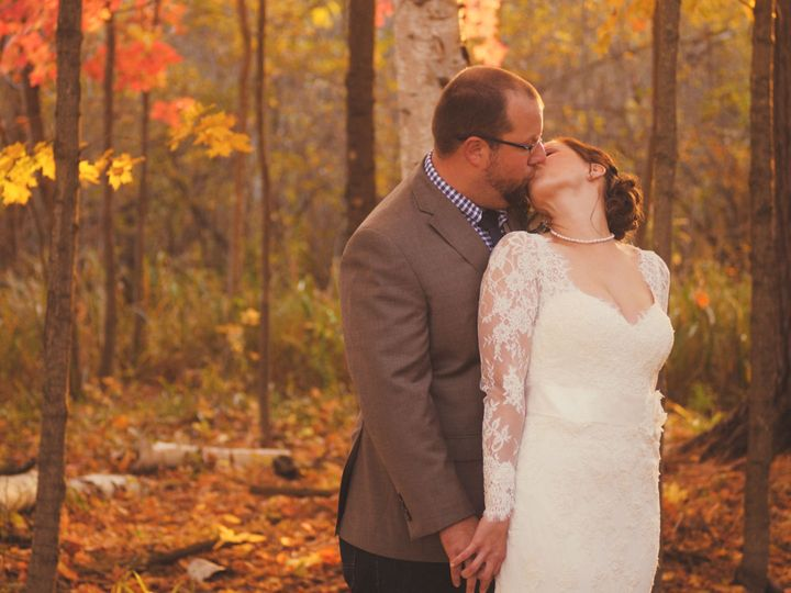 Tmx 1519942411 B4779469deab31cb 1519942409 73f86043b0837696 1519942411703 1 Goranson  Sarah    Oshkosh, WI wedding videography