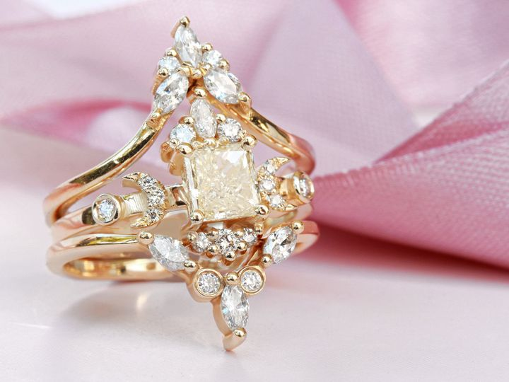 Unique hindi mystical engagement ring yellow diamond, yellow gold, fantasy diamonds, I will give you...