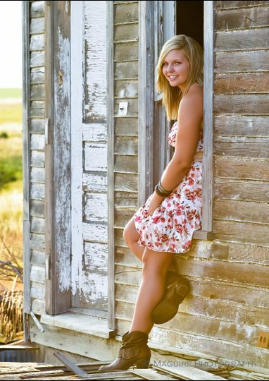 High School Senior Portraits, on location, country, old house