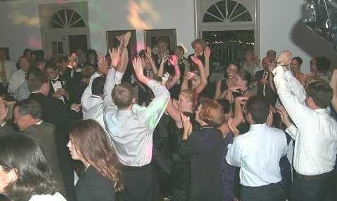 dancinggobos