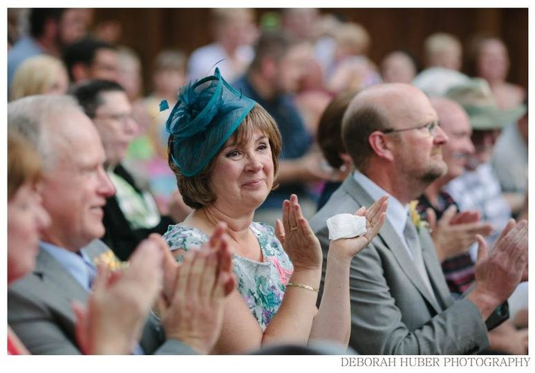 Clapping guests - Deborah Huber Photography