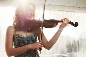 Laurel Thomsen Violin & Viola Performance