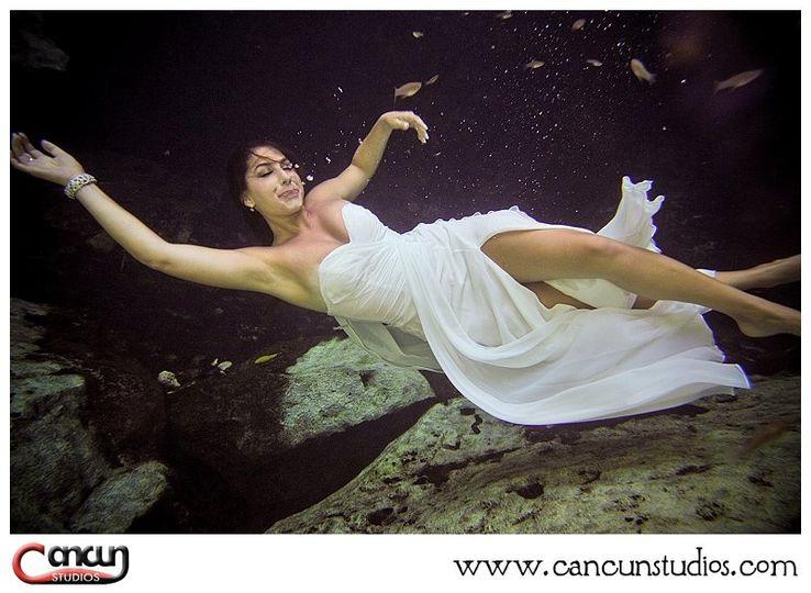 UnderwaterTrashtheDress046