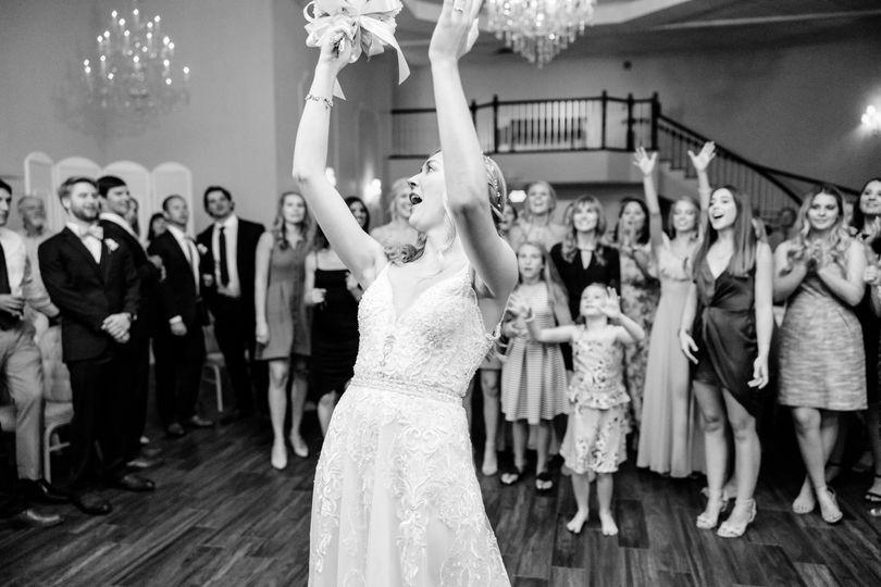Bouquet Toss-Kaitlyn Blake Pho