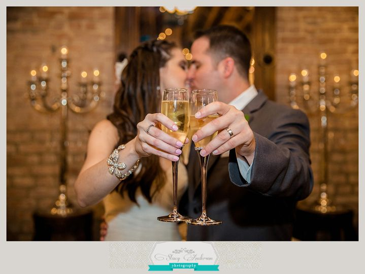 butlers courtyard wedding photographer cheers