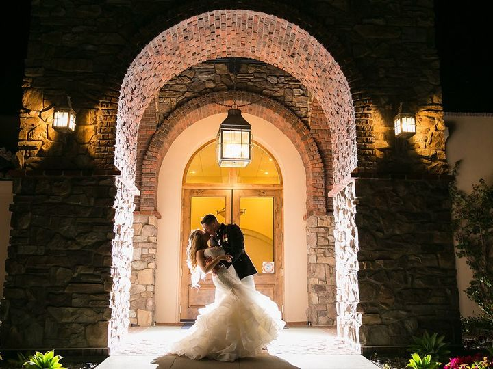 Tmx Alisoviejo Entrywaykiss 2017 Wedgewoodweddings Jpg 51 83818 1562619804 Aliso Viejo, CA wedding venue