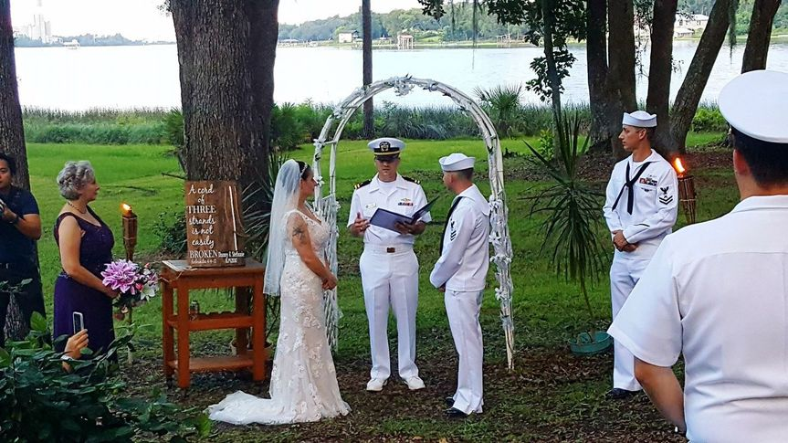 e2a498c1f746e1c4 1535381247 c6f26892b9ce70ff 1535381243823 1 Military Wedding D
