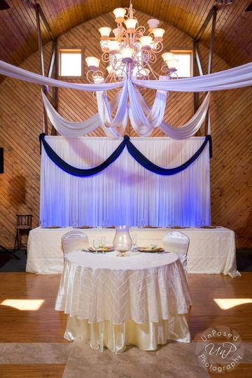 800x800 1453762708357 rafters bridal show 01