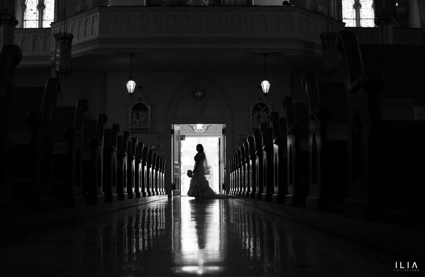 door way bride bw ili