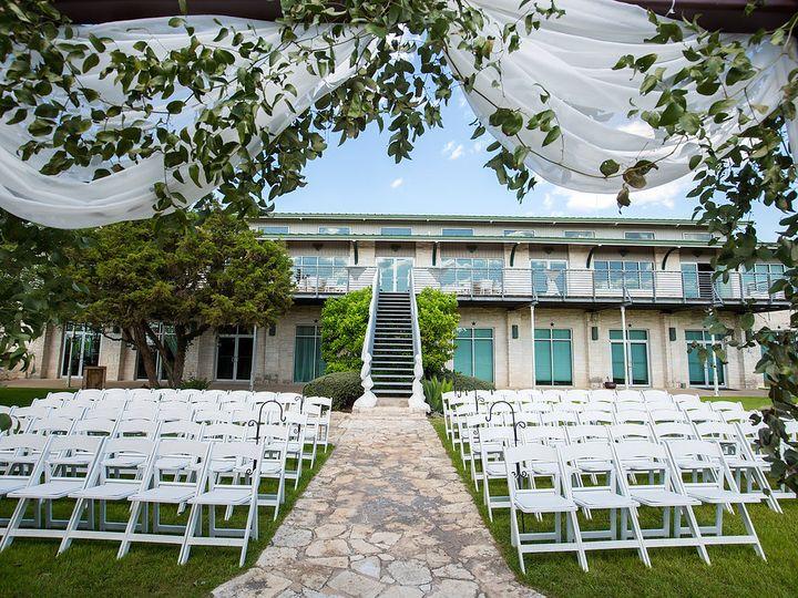Tmx Cassiedustin 16 41 40 51 49918 Dripping Springs, TX wedding venue