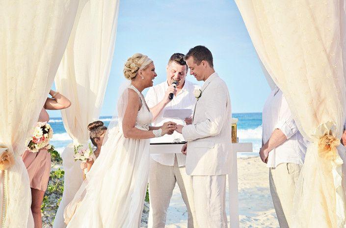 Wedding ceremony in the beach