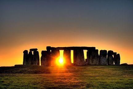 5b1a84b9f4c1b4bd Stonehenge Sun