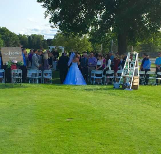 Outdoor ceremony 1st tee