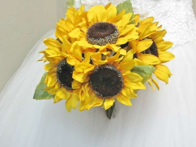 400 ht sunflower bouquet