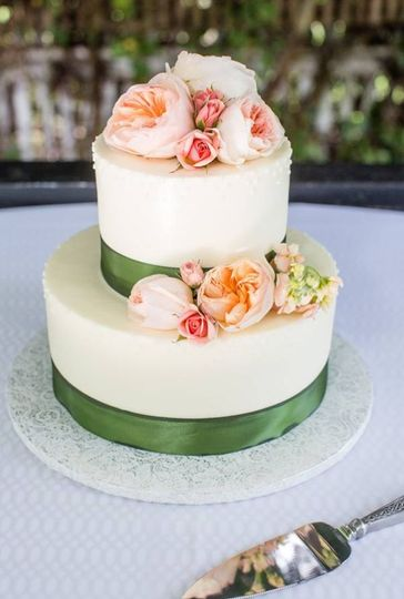 Two tier cake with floral decor