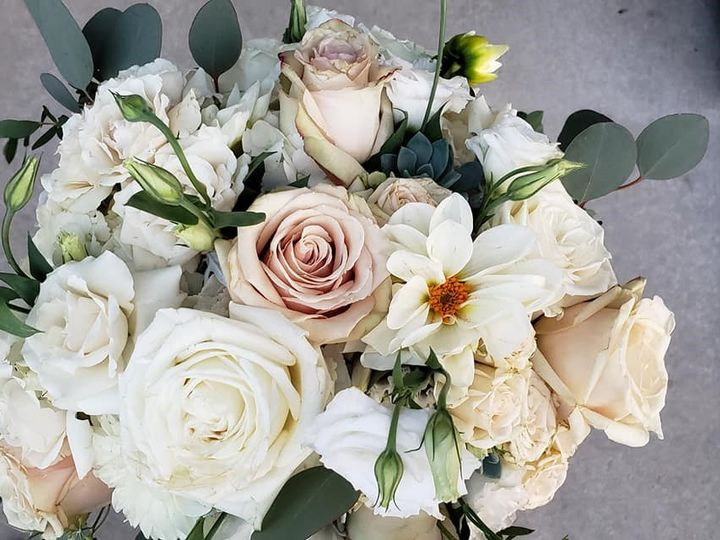 Tmx 67907925 10157119365463381 575153840999890944 O 51 182128 157999237638403 Saint Paul, MN wedding florist