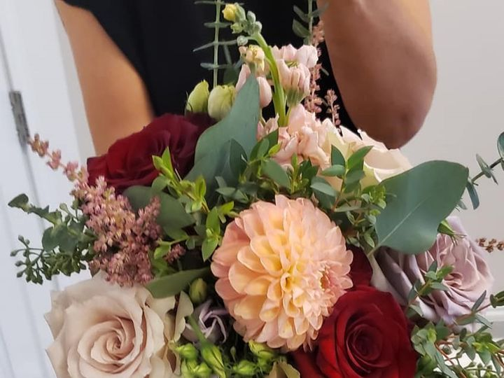 Tmx 72095955 10157305610398381 675095414990438400 N 51 182128 157999625066155 Saint Paul, MN wedding florist