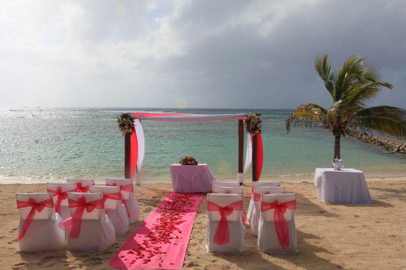 eds beach wedding