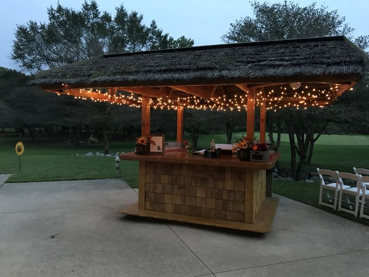 Outdoor tiki bar as second bar