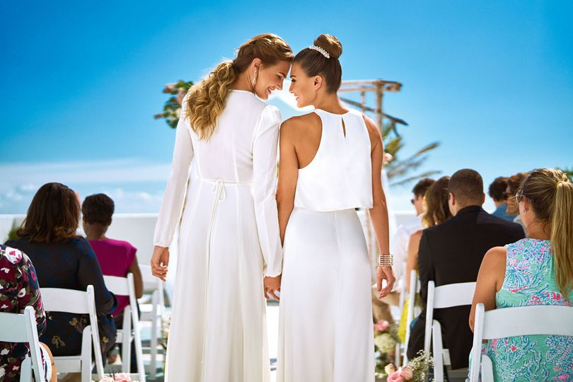 800x800 1494532402413 lgbt female wedding terrace   miamb 2016   29