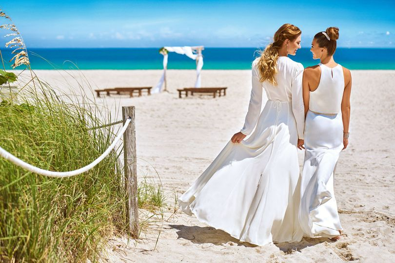 800x800 1494532427833 lgbt wedding female couple beach   miamb 2016  36