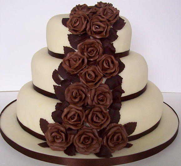 chocolateroseweddingcake11