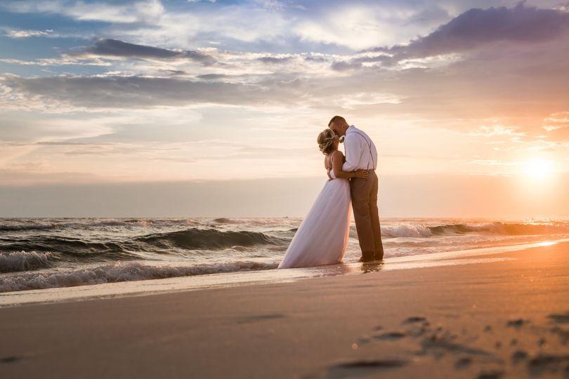 1bdcf4367eb275f8 runaway island wedding 278