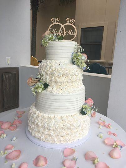 Fluffy white cake