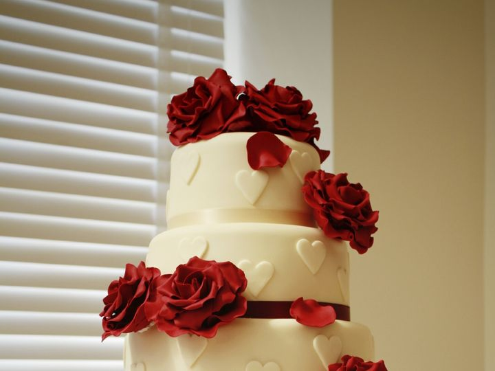Tmx 1447344465252 Istock000025874250large Bloomfield wedding cake