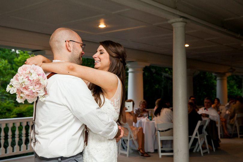 1st dance on the veranda | photo: matt jones riverland studios | venue: the veranda @ magnolia...