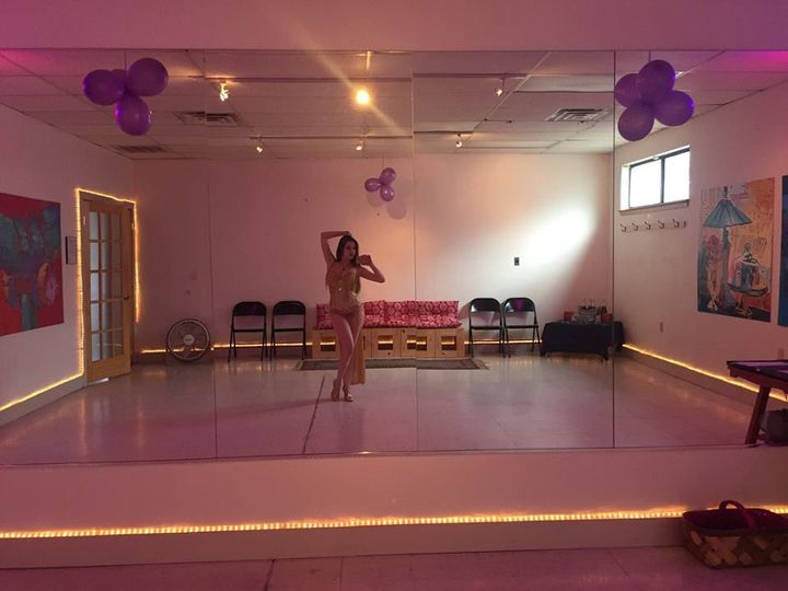 Fun private studio located in downtown Asheville!