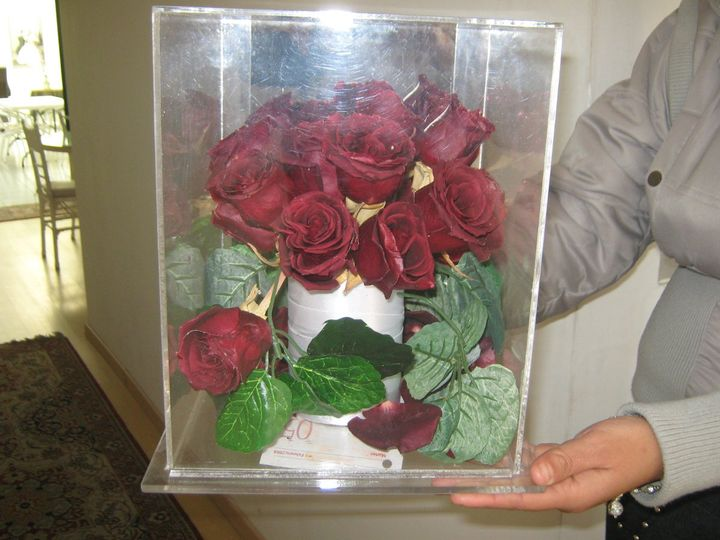 Natural wedding flowers, preserved after the wedding in specialty cleaners