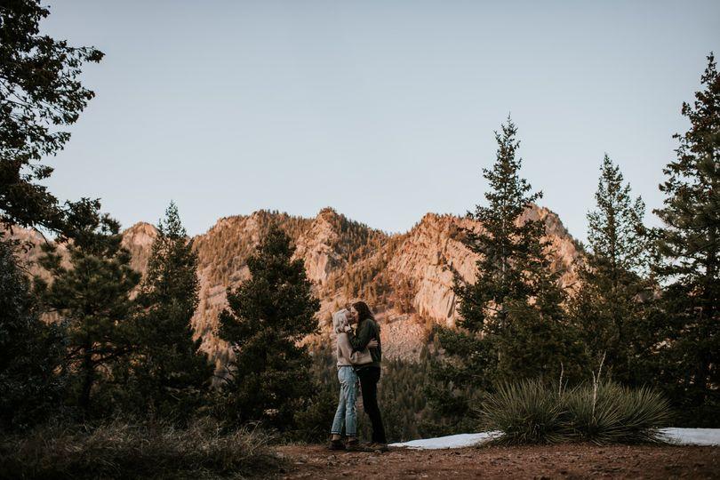 Stunning background & couple