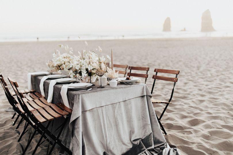 platinum premium velvet tablecloth alicia lucia photography 51 456428 160310241537126