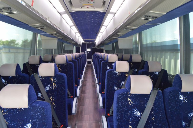 52-Pax D-Lux Luxury Coach w/RR