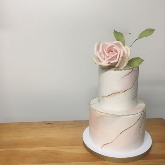 Marbled fondant + sugar flower